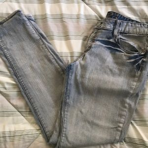 Rue21 light wash jeans